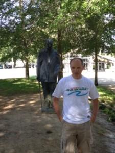 Statue de François Mitterrand à Soustons