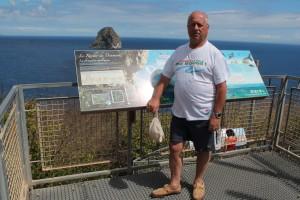 Célèbre rocher du Diamant dans la mer des caraïbes à 1750 mètres des côtes de la Martinique (2)
