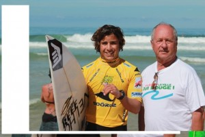 Lacanau en Gironde avec un des meilleurs surfers pro indonésien ANWAR